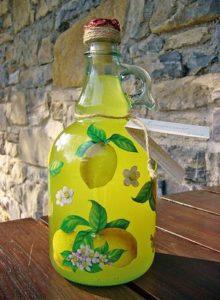 Come decorare una bottiglia per i liquori fatti in casa – 15 oggetto finito