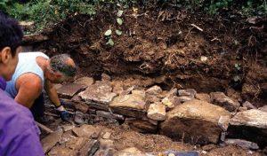 Ricostruzione muretto a secco – Vita in campagna