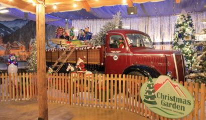 christmas garden – camion d'epoca – Copia